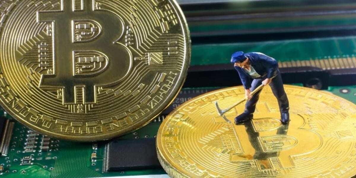 Bitcoin Dibi Görmüş!